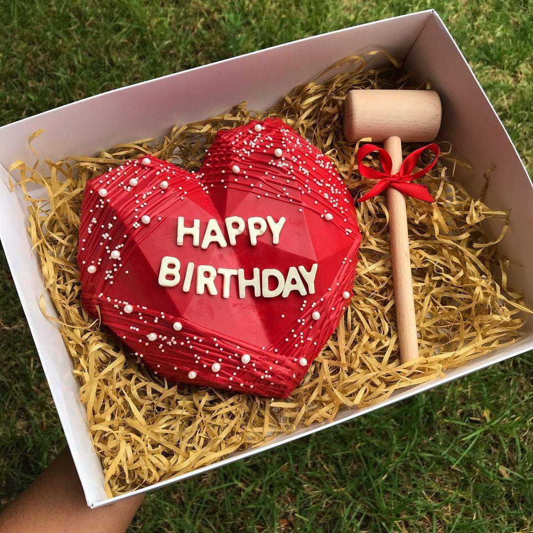 Heart-Shape-Pinata-Cake