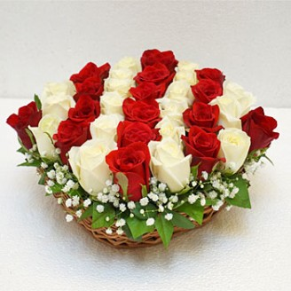 pc-Elegant-Roses-in-Basket