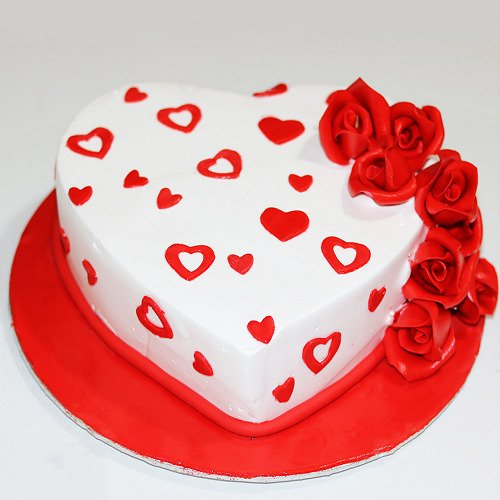 Valentine's Day Special Heart Roses Cake