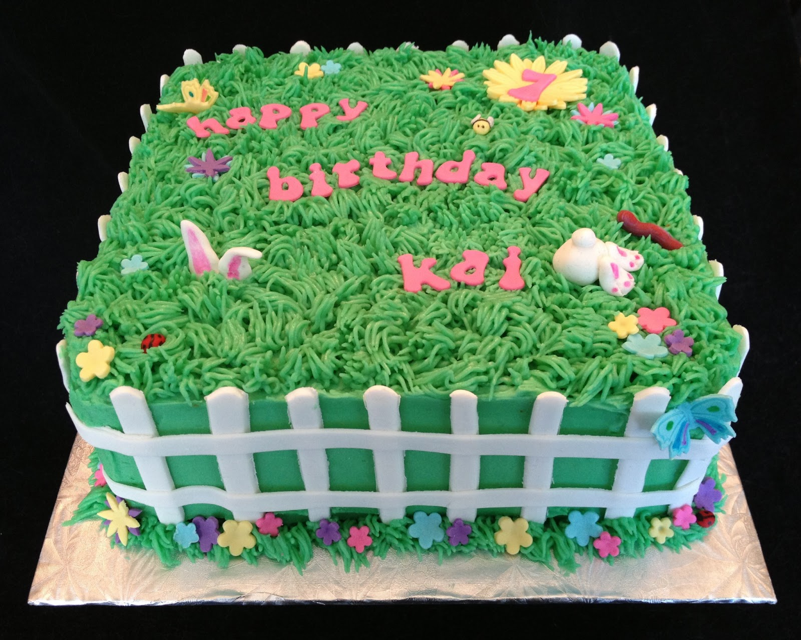garden-cake-with-butterfly