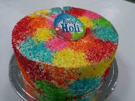 lovely-cake-for-holi