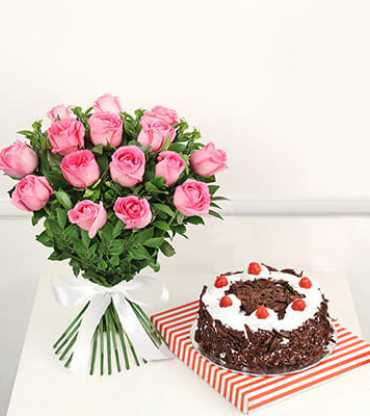 Bunch-of-15-pink-roses-with-half-kg-black-forest-cake