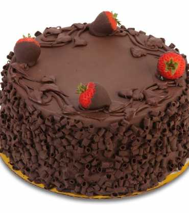 Mesmeric Chocolate Strawberry Cake