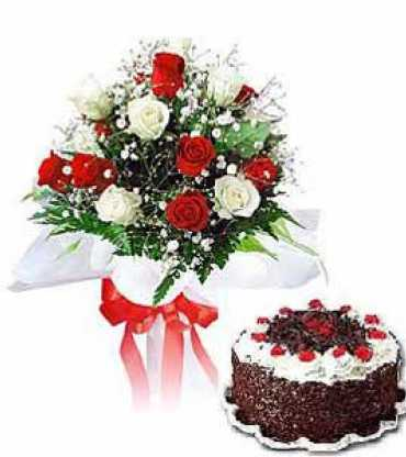 Cake-20-with-20-Red-20-and-20-White-20-Roses