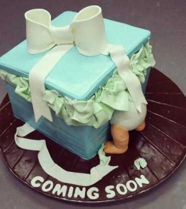 Coming Baby Shower Cake