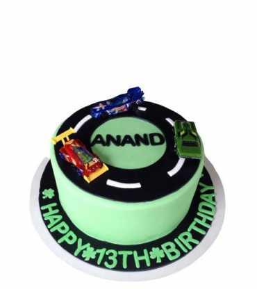 Race Track Vanilla Cake