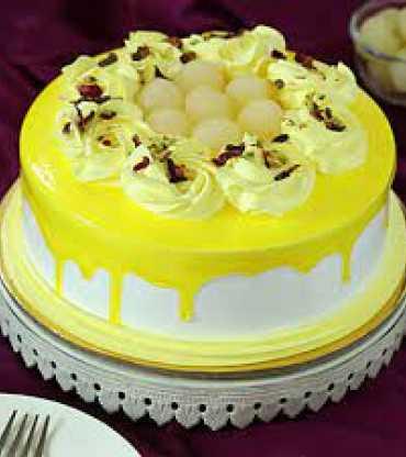 Rasgulla Cake With Vailla Cream