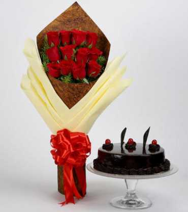bouquet-of-red-roses-truffle-cake