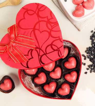 heart-chocolate-box
