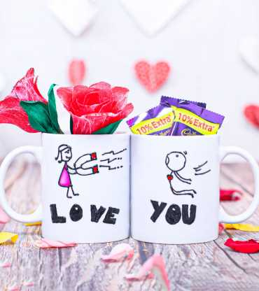 Red Roses Flower With Chocolate Couple Valentine Day Mug